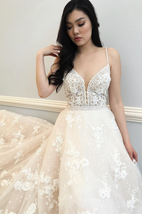 Spaghetti Strap Plunging V Floral Lace Appliqués A-line Wedding Dress with Long Train