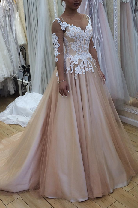New Arrive Champagne Wedding Dress with 34 Sleeves Fashion Illusion Neck Lace Appliques Luxury Chapel Train Bridal Ball Gowns Hot Sale