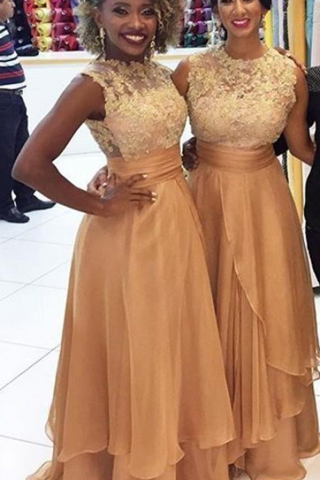 Custom Made Gold Long Bridesmaid Dresses Jewel Neck Sleeveless Lace Appliques Tiered Skirt Prom Gown Long Party Dress